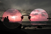 rose_colored_glasses_thumb_090607.jpg